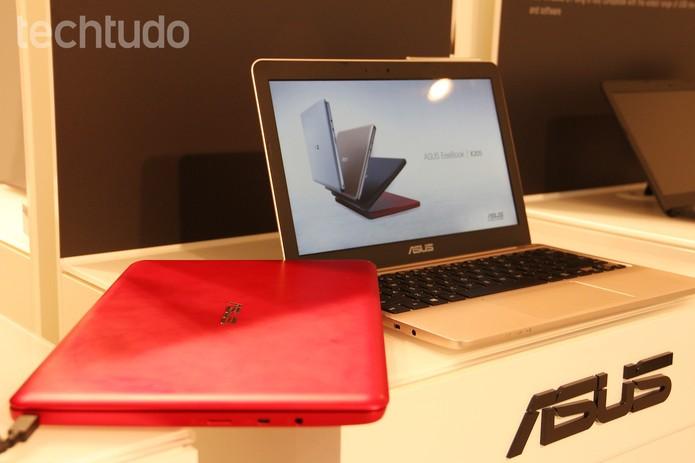 Asus Eeebook tem tela de 11,6 polegadas (Foto: Fabrício Vitorino/TechTudo)