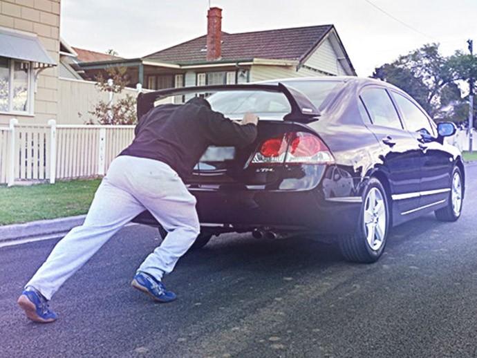 Dar tranco no carro? Nunca mais!  (Foto: Império das Baterias)