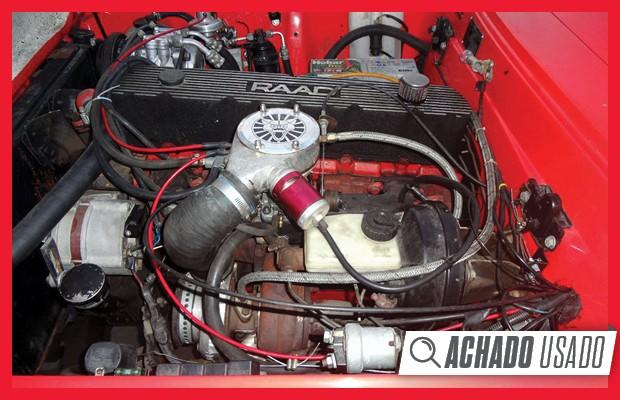 Motor 4.1 de seis cilindros em linha é o mesmo do Chevrolet Opala, mas com turbocompressor (Foto: Reprodução)