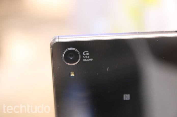 Detalhe da lente do Xperia Z5 Premium (Foto: Fabricio Vitorino/TechTudo)