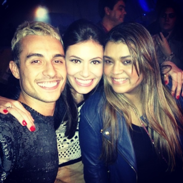 Preta Gil com o namorado, Thiago Tenório, e amiga em Patos de Minas, Minas Gerais (Foto: Instagram/ Reprodução)