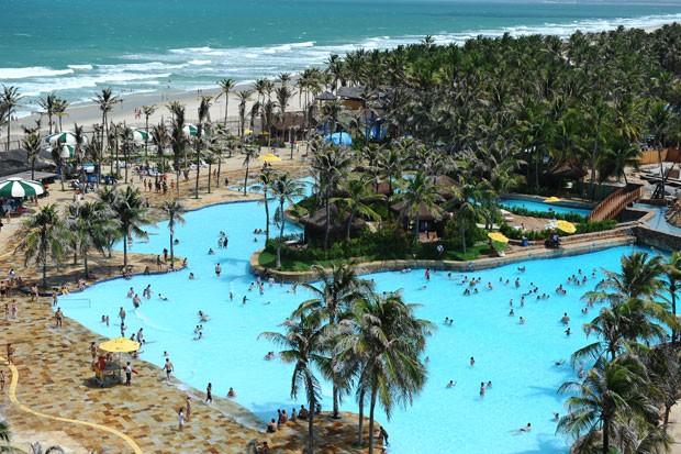 O Beach Park fica a 20 minutos de Fortaleza (Foto: João Melo/Divulgação)