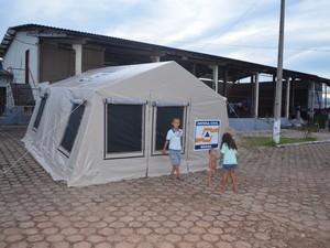 17 famílias estão em abrigos montados pela prefeitura (Foto: Rogério Aderbal/G1)