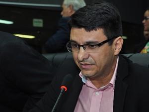 Wanderlan Oliveira foi indicado pelo governo para a presidência da Junta Comercial, mas teve nome rejeitado por deputados (Foto:  Hisraufre Emiliano/ALE-RR/Divulgação)