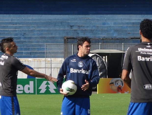 Kleber treino Grêmio (Foto: Tomás Hammes / GLOBOESPORTE.COM)