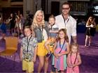Tori Spelling dá à luz Beau, quinto filho com Dean McDermott