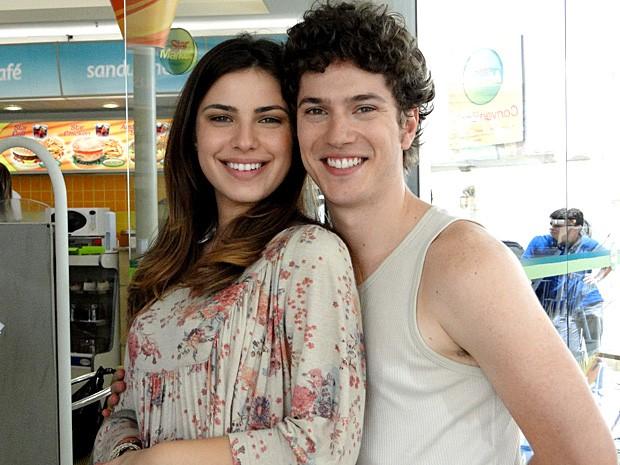 Thaís Melchior e Caio Paduan são fãs do casamento religioso (Foto: Malhação / TV Globo)