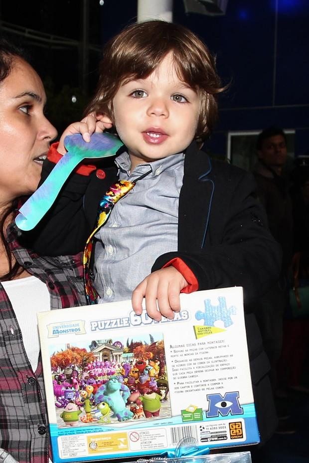 Lorenzo, filho de Luciana Gimenez, na festa de Pietro, filho de Otávio Mesquita (Foto: Manuela Scarpa e Marcos Ribas/Foto Rio News)