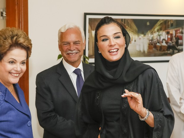 Dilma teve encontro também com a Rainha-mãe do Catar, xeica Moza bint Nasser  (Foto: Roberto Stuckert Filho/PR)