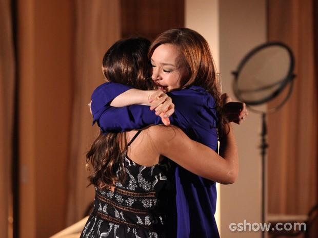 Helena dá o braço a torcer e apoia a mudança de Luiza (Foto: Carol Caminha / TV Globo)