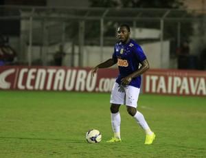 Zagueiro Manoel no jogo entre Santa Rita-AL e Cruzeiro