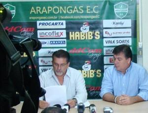Adir Lemes, presidente do Arapongas anuncia desligamento da cidade (Foto: Fábio Grego / site oficial do Arapongas)