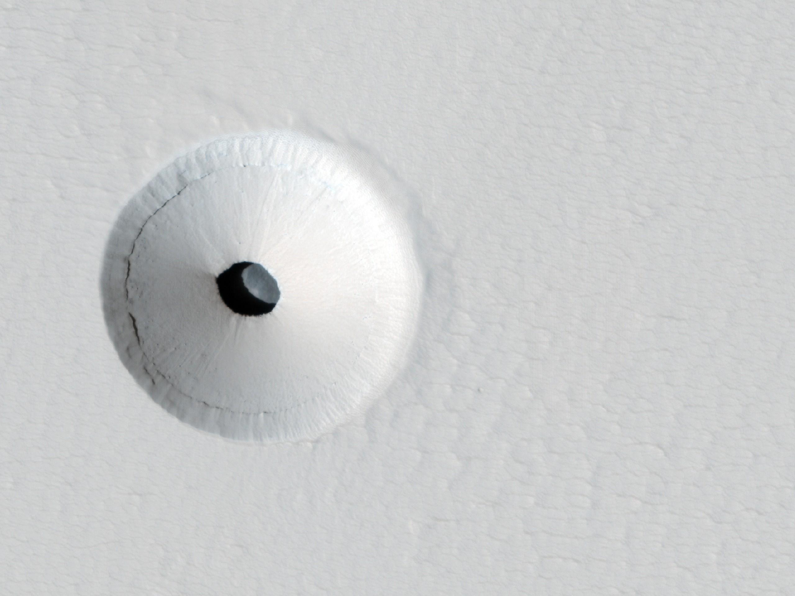 Um buraco em Marte (Foto: nasa)