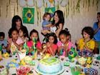 Ao lado do irmão, Sthefany Brito comemora aniversário em orfanato
