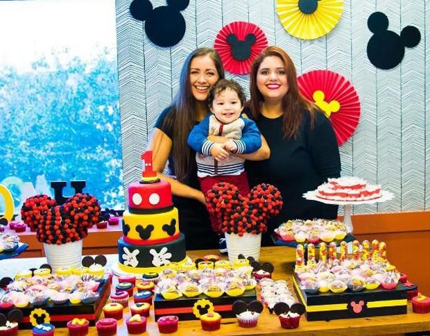 Nana Gouvêa com a filha, Daphynie, e o neto, Noah (Foto: Reprodução/Instagram)