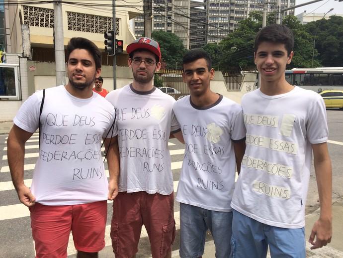 Protesto - Flamengo - Ferj (Foto: Sofia Miranda)