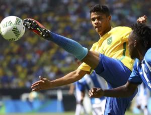 Douglas Santos Brasil x Honduras (Foto: Reuters)