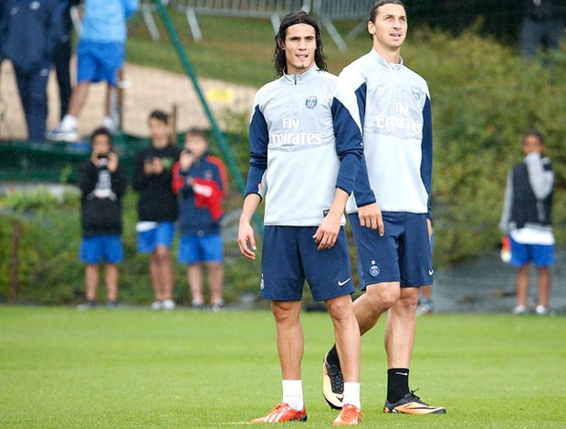 Cavani e Ibrahimovic Treino PSG (Foto  Divulgação   Site PSG) b0339c78d09f9