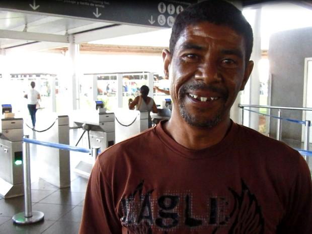 O faxineiro Francisco Magalhães de Souza, que passou dois anos e quatro meses preso por engano (Foto: Alexandre Bastos/G1)
