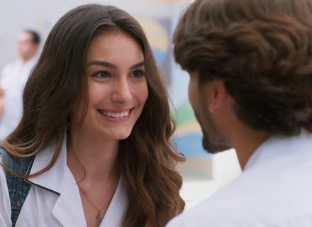 Luciana diz para Roger que vai voltar com Rodrigo