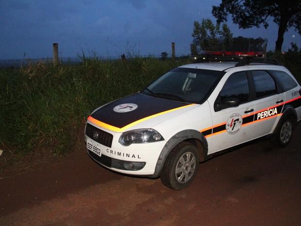 Perícia Técnica analisou local onde jovem foi encontrada após falso sequestro em São Carlos (Foto: Maurício Duch)