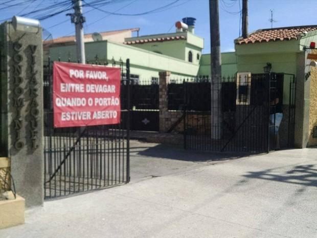 Residência no bairro Fundão foi roubada na manhã desta quarta-feira (Foto: Cleber Rodrigues/Inter TV)