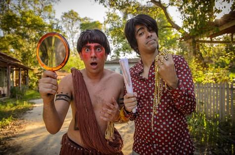 Marcelo Adnet e MArcius Melhem: índio e paraguaio (Foto: Alex Carvalho/ TV Globo)