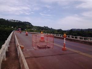 Ponte que balança Iraí BR-386 RS (Foto: Fábio Lehmen/RBS TV)