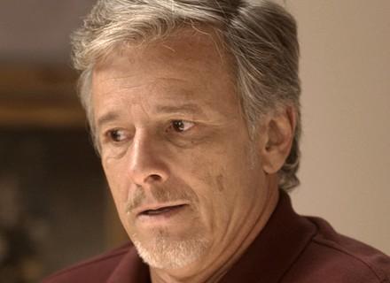 Vittorio conta para Milena a verdade sobre Loretta, e a garota procura Lenita para desabafar