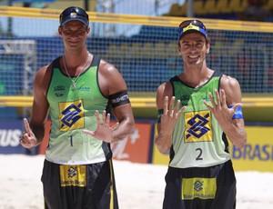 Ricardo e Emanuel, vôlei de praia (Foto: Paulo Frank / CBV)