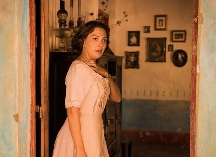 Primeiro capítulo: personagem de Fabiula Nascimento se desespera e teme morte do marido
