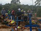Mãe e filhas vítimas de deslizamento de terra são sepultadas em Manaus