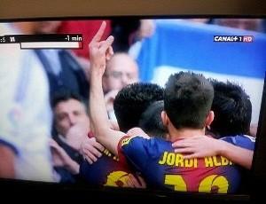 Jordi Alba gesto com os dedos (Foto: Reprodução Marca.com)