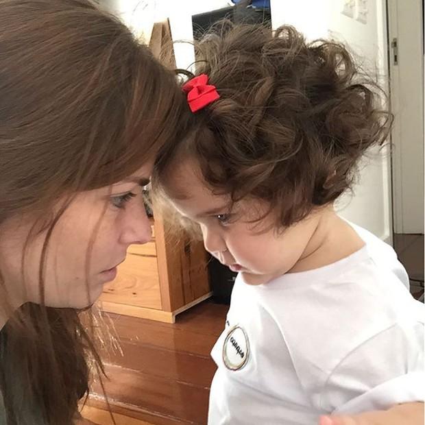 Ana Paula Tabalipa com a filha, Mia (Foto: Reprodução/Instagram)