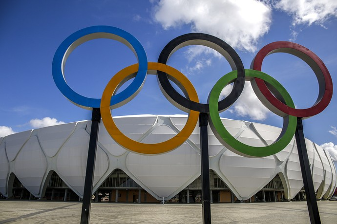 Arena da Amazônia com aros olímpicos (Foto: Alex Pazuello/ManausCult)