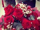 No Dia dos Namorados, Bruna Marquezine recebe flores