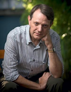 O AUTOR Porta-voz da Presidência da República entre 2003 e 2007, no primeiro mandato de Lula, Singer  foi jornalista e é professor da Universidade de São Paulo  (Foto: Filipe Redondo/Ed. Globo)