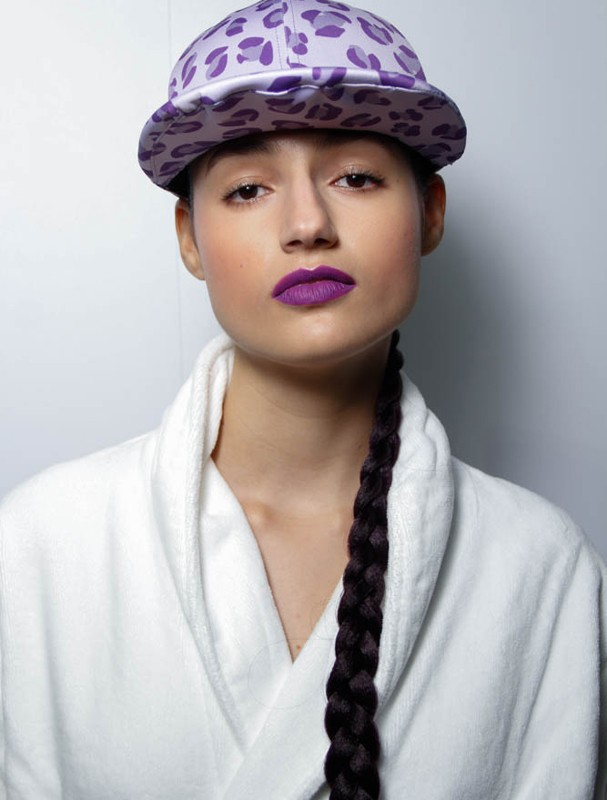 Trança fake no Amir Slama (Foto: Rafa Borges/Glamour)