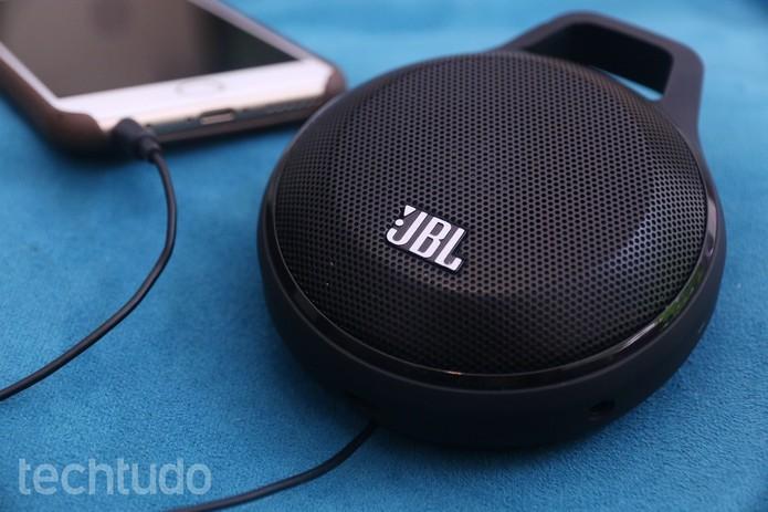 Veja como atender ligações do celular na caixa de som Bluetooth (Foto: Lucas Mendes/TechTudo)