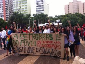 manifastação uberlândia centro 3 (Foto: Fernanda Resende/G1)
