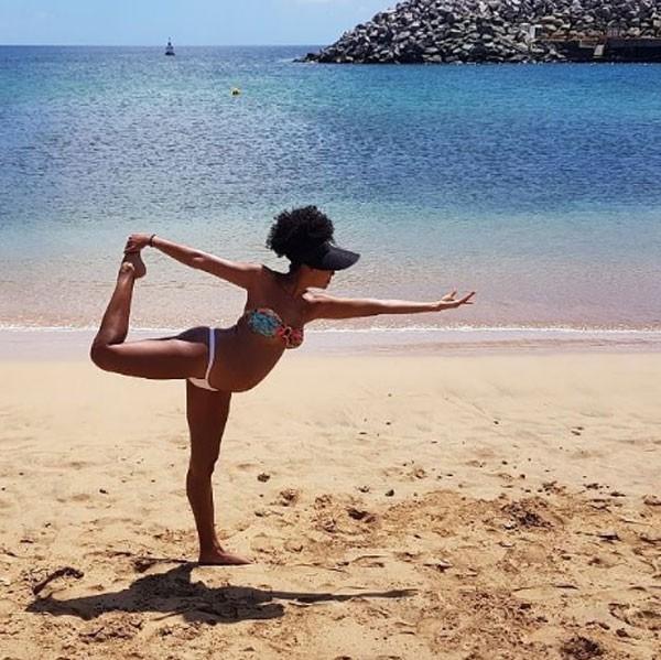Sheron Menezzes está praticando ioga durante a gestação (Foto: Reprodução/Instagram)
