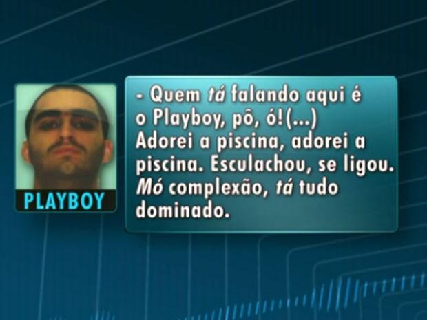 Traficante Playboy elogia foto com fuzis na piscina da Vila Olímplica (Foto: Reprodução / Globo)