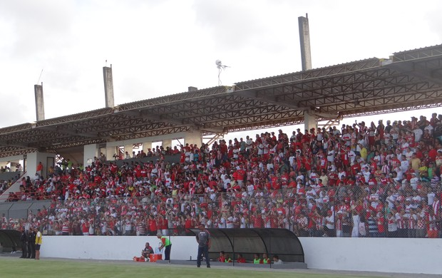 Torcida do CRB (Foto: Paulo Victor Malta/Globoesporte.com)