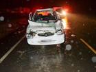 Mulher morre após carro bater na traseira de trator no Sul de SC