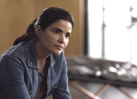 Antônia questiona Sabine se Lígia seria capaz de fazer algo contra Mirella