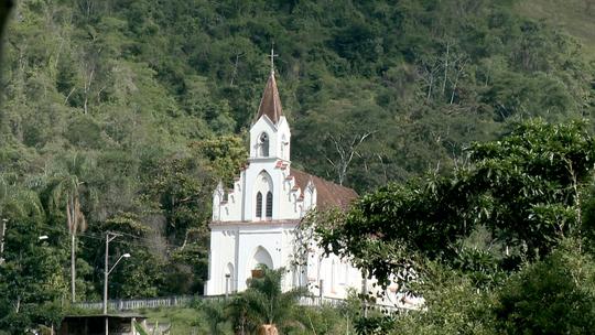 Santa Leopoldina tem roteiro histórico, gastronômico e de belas cachoeiras