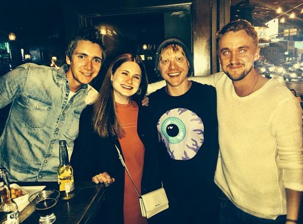 Fred, Gina, Neville e Draco: bffs na vida real (Foto: Reprodução/Instagram)