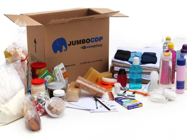 Caixas com produtos de higiene pessoal e alimentos são enviadas aos detentos (Foto: Divulgação/Jumbo CDP)