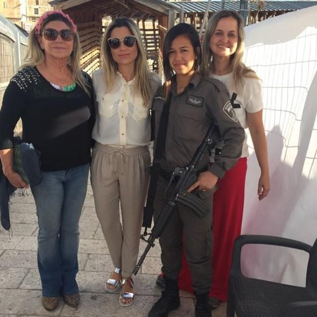 Flávia Alessandra e amigas (Foto: Instagram/Reprodução)