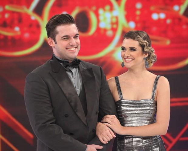 Juliana Paiva e Átila Amaral são aplaudidos pela plateia em dia de foxtrote (Foto: Carol Caminha/TV Globo)
